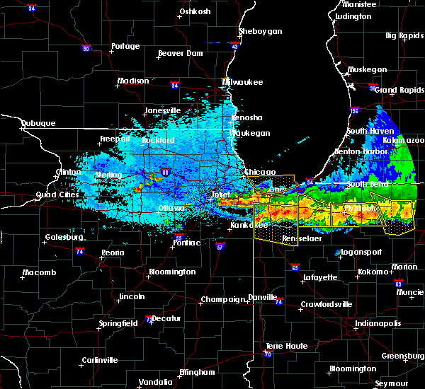Radar Image for Severe Thunderstorms near Lake Village, IN at 8/3/2015 12:17 AM CDT