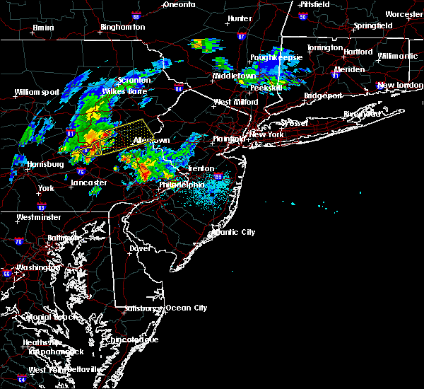 Radar Image for Severe Thunderstorms near Hamburg, PA at 8/4/2015 2:02 AM EDT