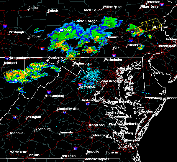 Radar Image for Severe Thunderstorms near Wilson-Conococheague, MD at 8/4/2015 2:05 AM EDT