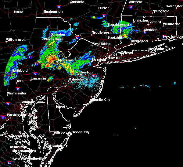 Radar Image for Severe Thunderstorms near Fullerton, PA at 8/4/2015 2:23 AM EDT