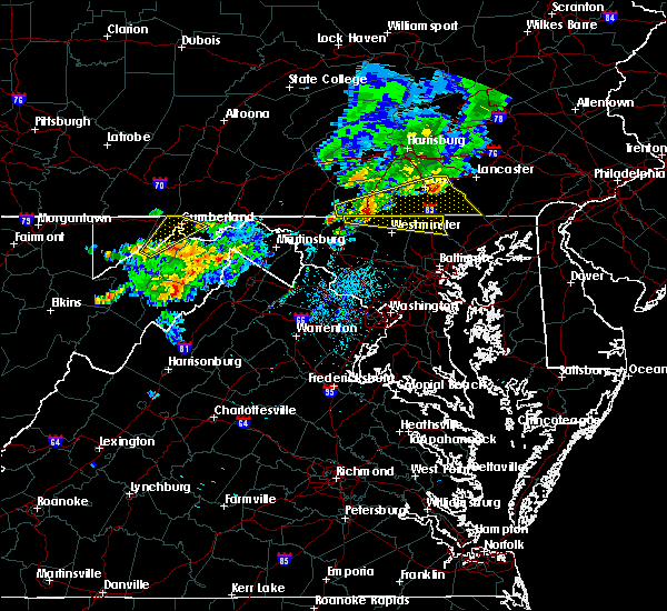 Radar Image for Severe Thunderstorms near Shawneeland, VA at 8/4/2015 3:09 AM EDT