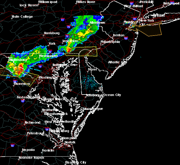 Radar Image for Severe Thunderstorms near Claymont, DE at 8/4/2015 4:23 AM EDT
