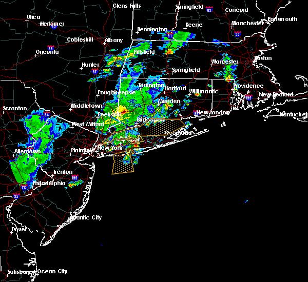 Radar Image for Severe Thunderstorms near Shoreham, NY at 8/4/2015 4:59 AM EDT