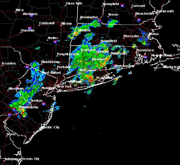 Radar Image for Severe Thunderstorms near Shoreham, NY at 8/4/2015 5:23 AM EDT