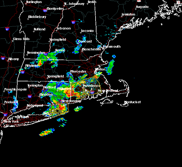 Radar Image for Severe Thunderstorms near Franklin Town, MA at 8/4/2015 6:12 AM EDT