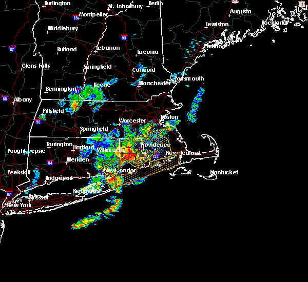Radar Image for Severe Thunderstorms near Franklin Town, MA at 8/4/2015 6:26 AM EDT