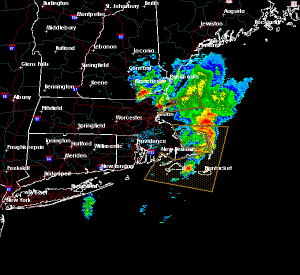Radar Image for Severe Thunderstorms near Nahant, MA at 8/4/2015 8:09 AM EDT