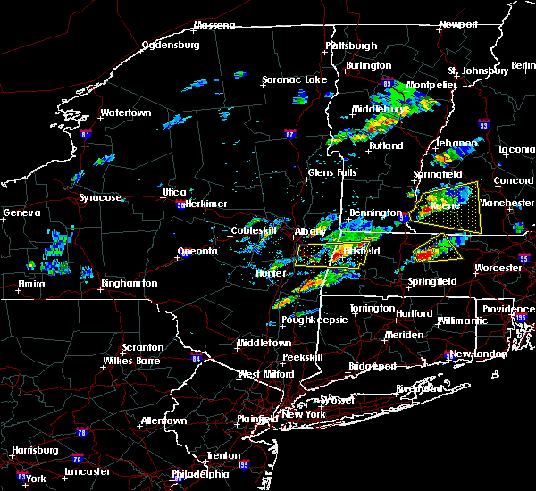 Radar Image for Severe Thunderstorms near Pittsfield, MA at 8/4/2015 1:17 PM EDT