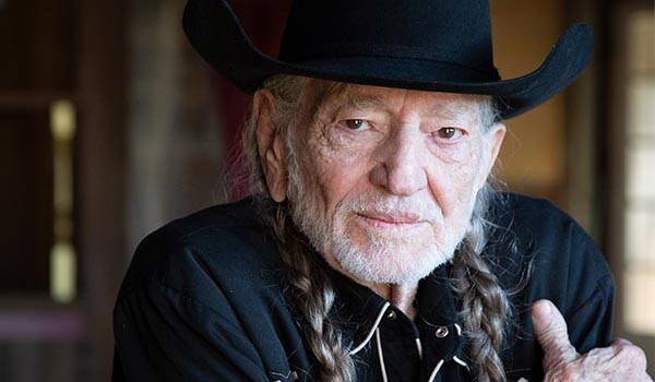willie nelson in cowboy hat