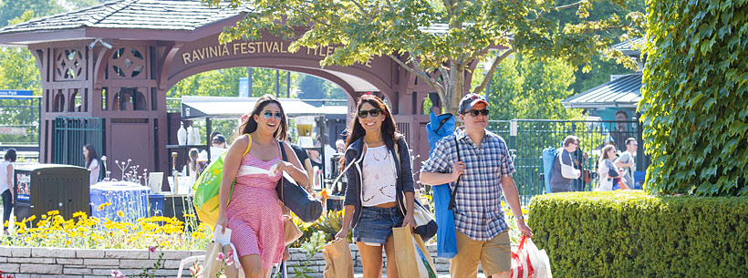 Ravinia Guests entering through West Gate