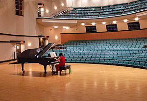 BGH auditorium with Yang Xiaohui