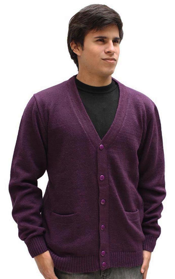 Golf Sweaters Help You Save Big on Clothing A golf sweater is the perfect balance between looks and performance. Our sweaters at Carl's Golfland all feature subtle color tones and patterns to keep them professional and stylish in appearance.