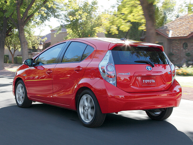2014 Prius c en Absolutely Red