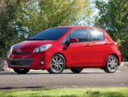 2014 Yaris 5-Door LE en Absolutely Red