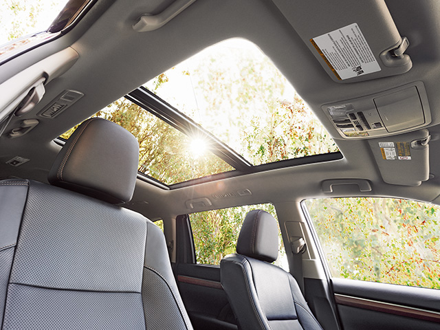 2014 Higlander Hybrid Limited - Panoramic Moonroof