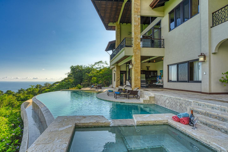 Architectural Features - Casa Big Sur