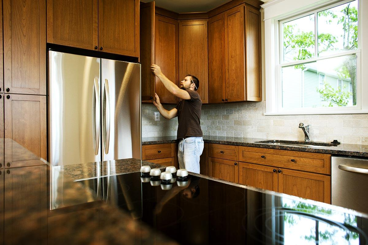 Tips for Finding the Best Cabinet Refinishing Contractor