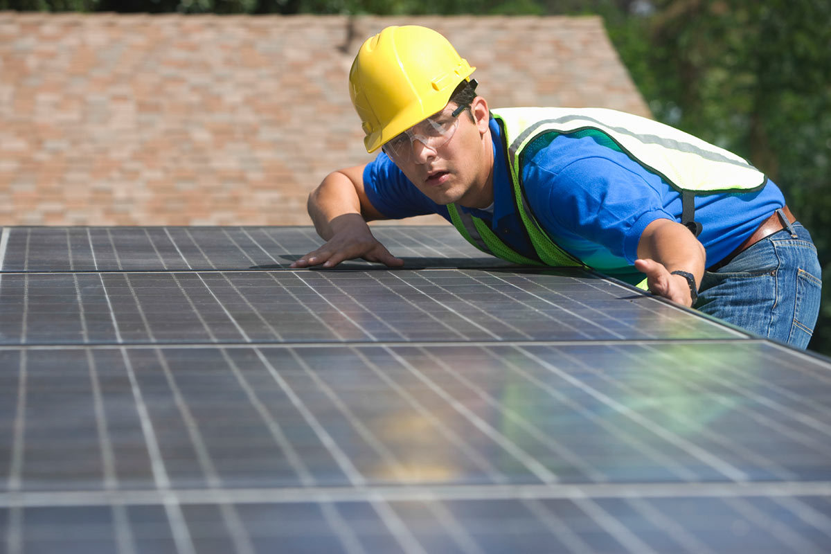 4 Best Solar Panel Installers in Houston, Texas