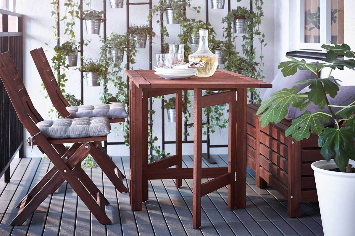 5 small patio dining sets for the city dweller. Black Bedroom Furniture Sets. Home Design Ideas