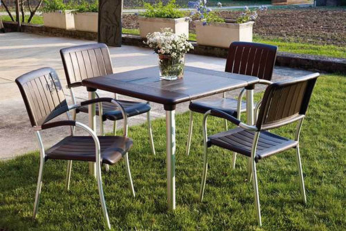 5 Small Patio Dining Sets for the City Dweller