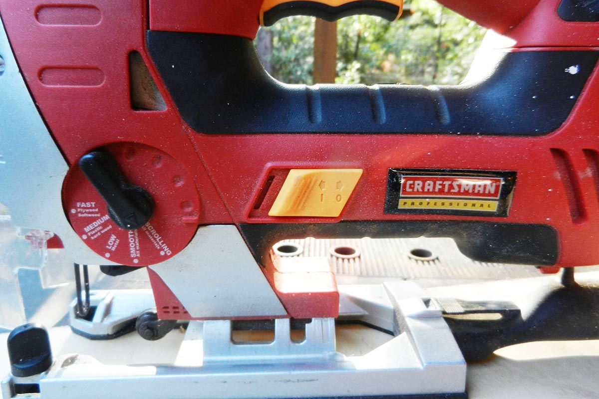 Craftsman 27245 28223 led laser jig saw review the integrated dust blower and vacuum attachment quickly moves sawdust or metal shavings away from the cutting area and out of the path of the blade greentooth