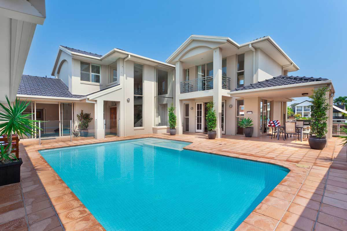 Building an In-Ground Pool on a Budget: 7 Things to Consider