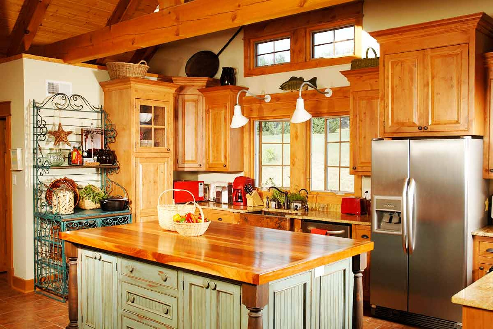 Cabinets and countertops articles diy cabinets and countertops tips videos - Glass kitchen countertops pros and cons ...
