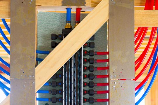 PEX Plumbing: Pros and Cons of the Copper Pipe Alternative