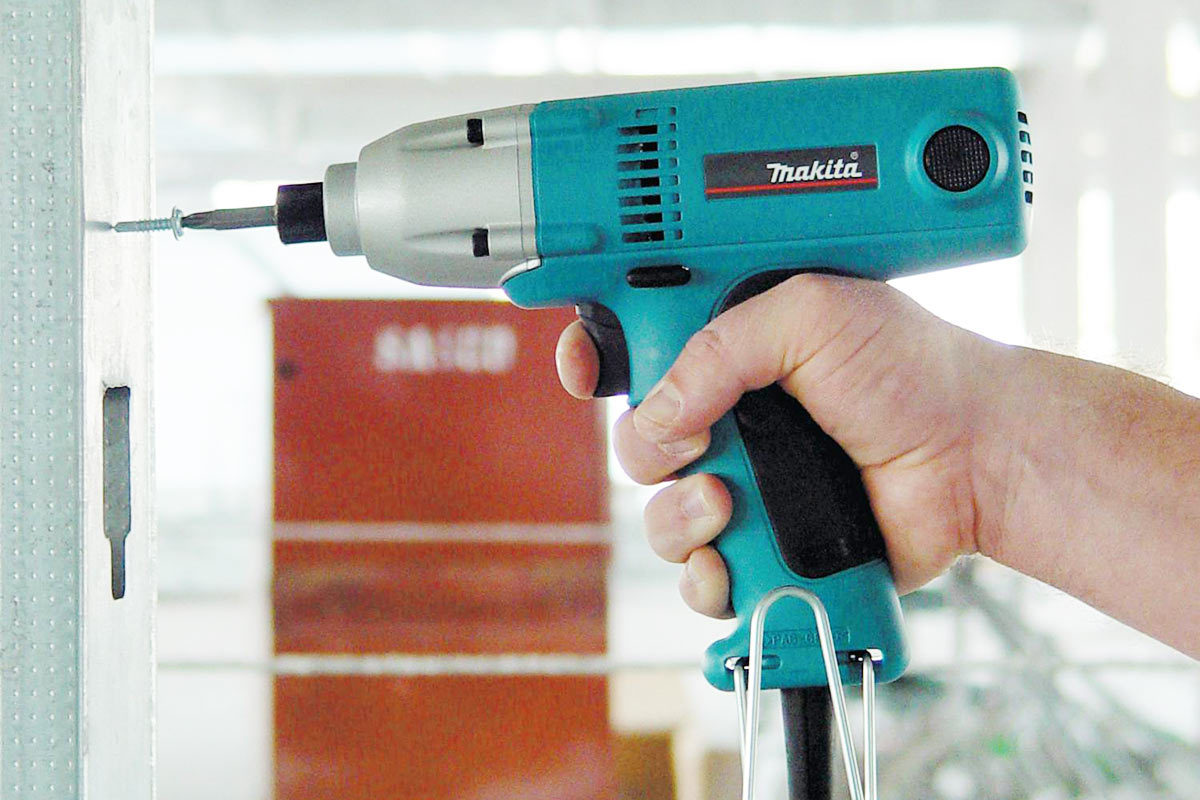 Makita 6952 Corded Impact Driver Review