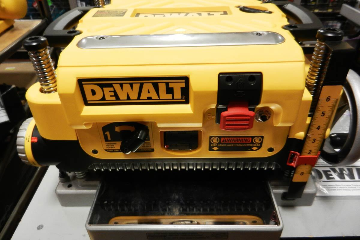 how to use a dewalt thickness planer