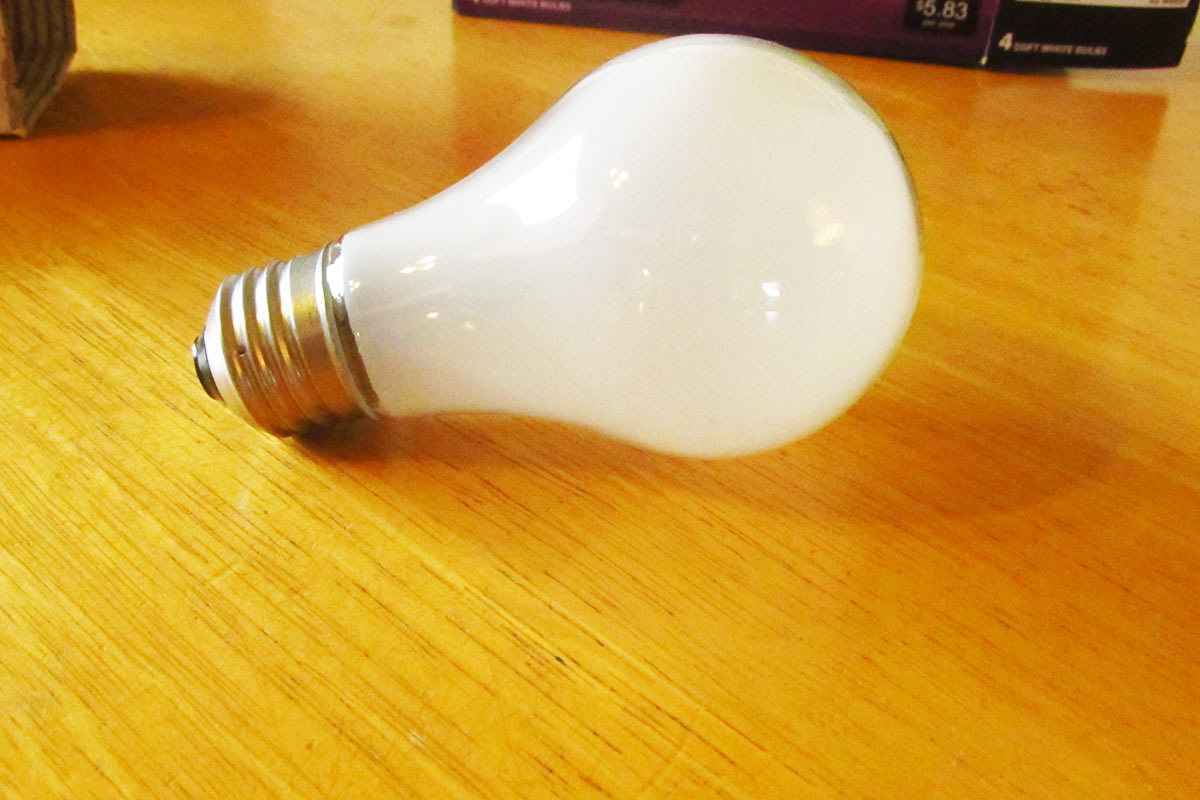 How to Change a Lightbulb 'the Right Way' in 5 Quick Steps
