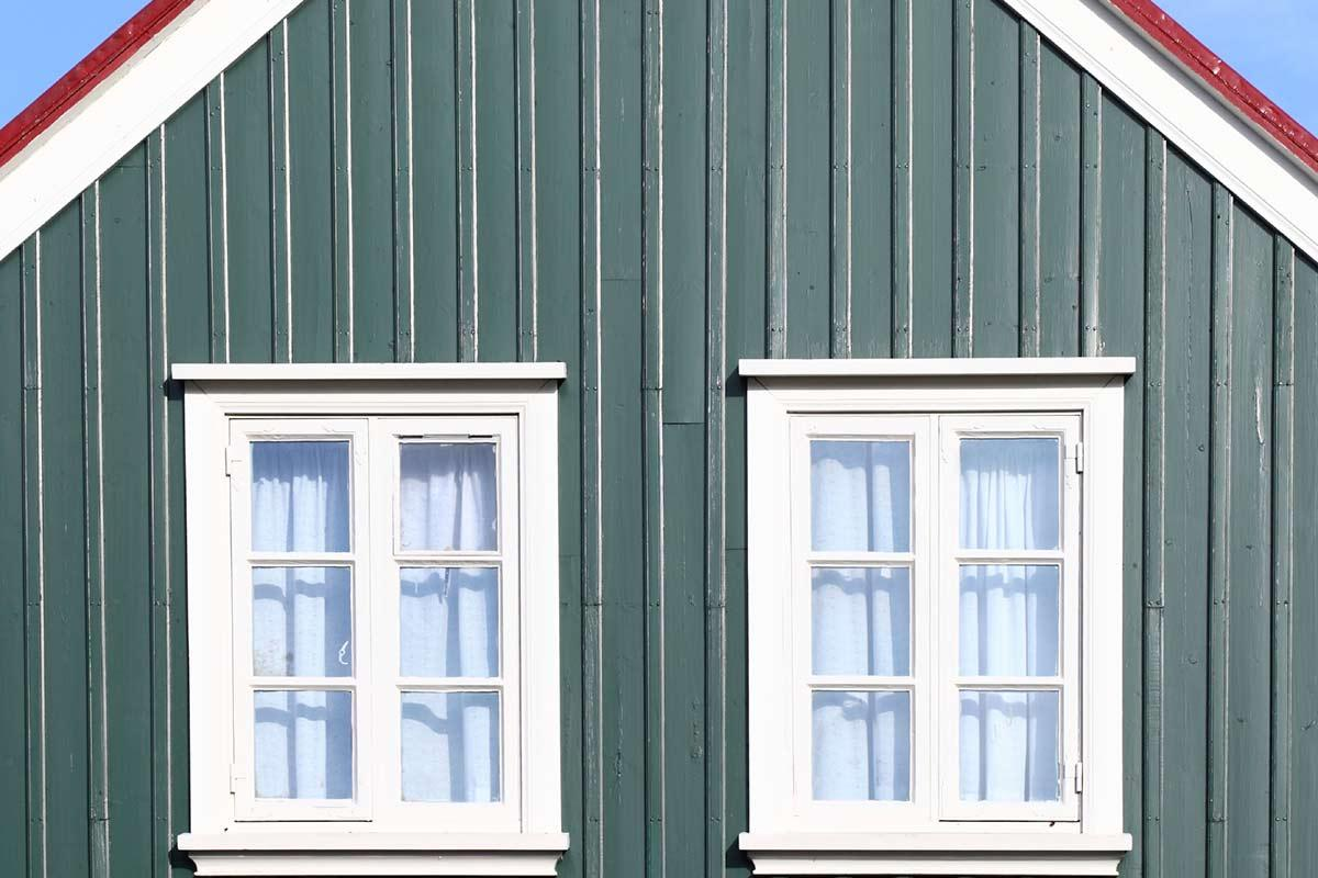 The Pros and Cons of Metal Siding