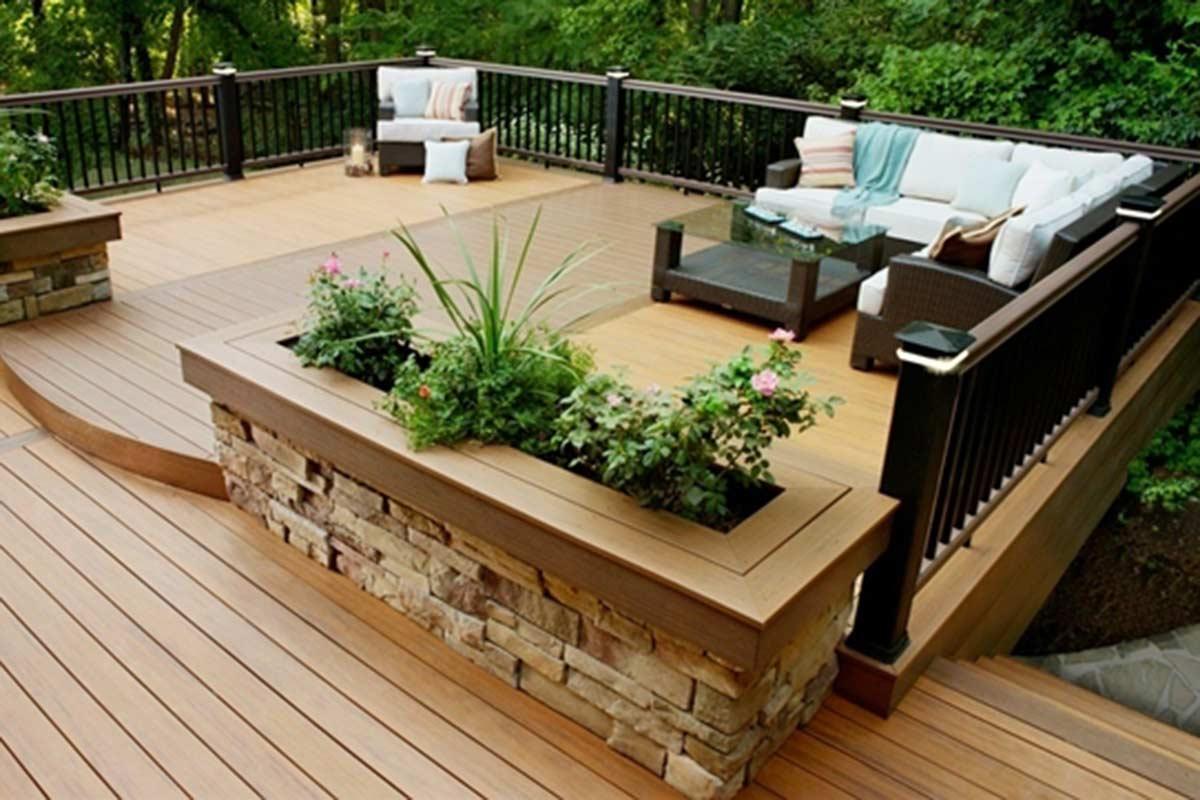 Awesome Backyard Deck