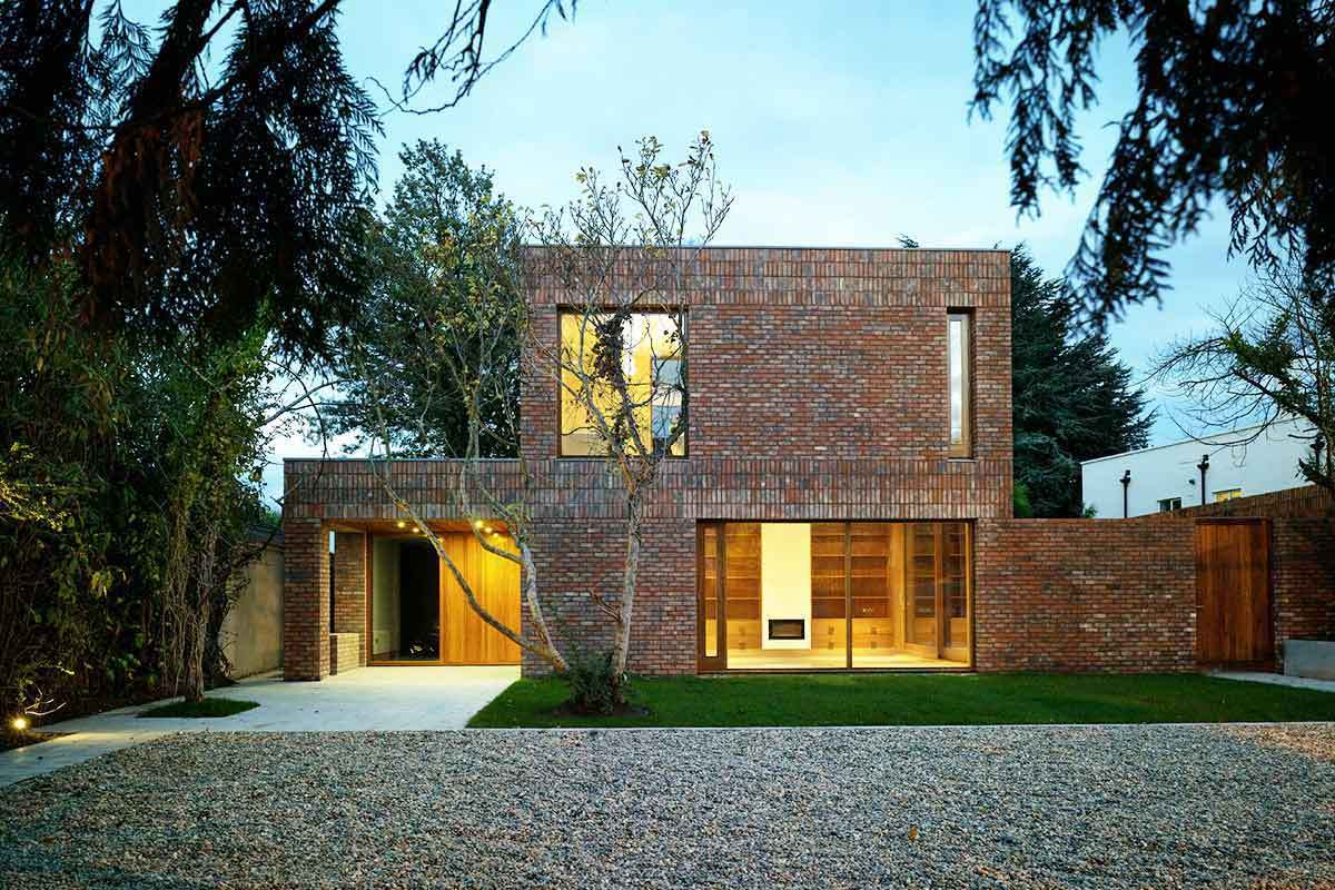 5 modern brick homes that perfectly mix new and old for Modern house details