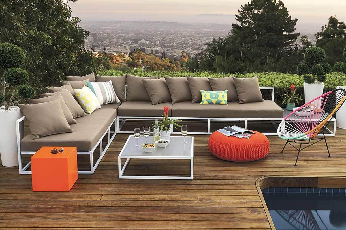 6 Outdoor Sectional Sofas for a Contemporary Patio