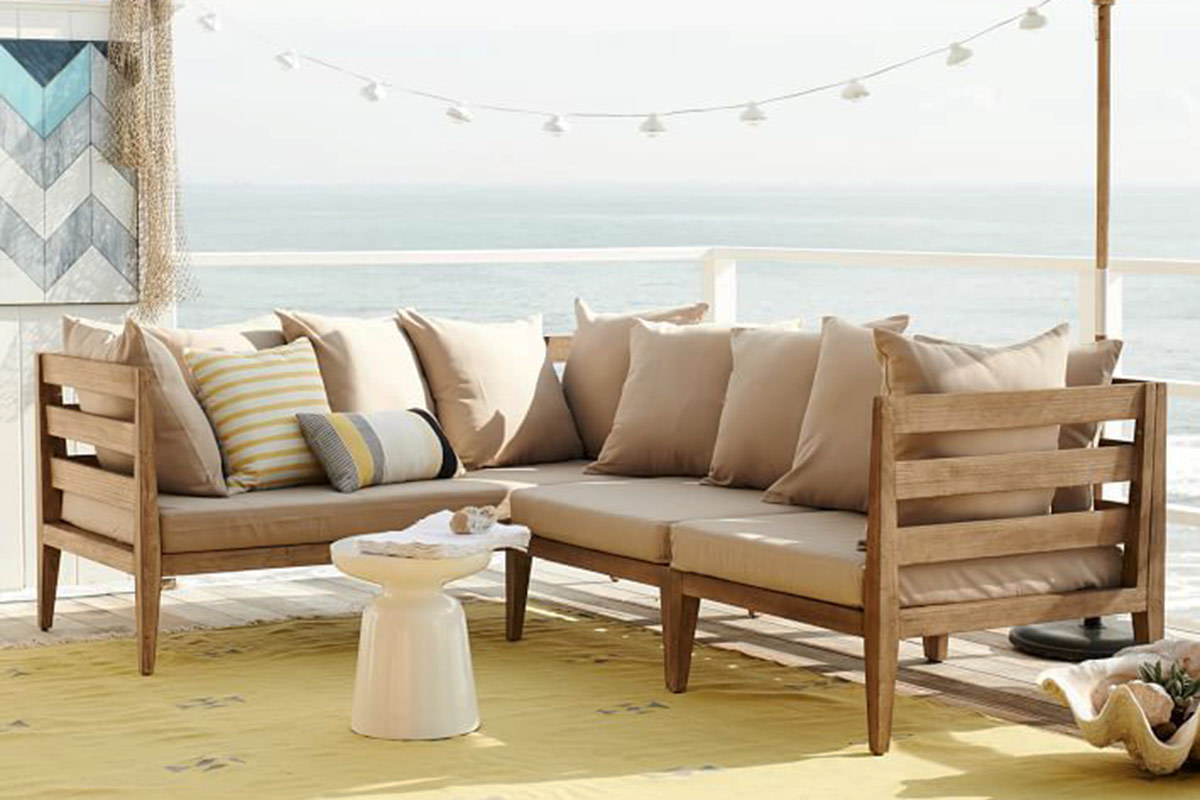 6 outdoor sectional sofas for a contemporary patio for Best west elm sofa