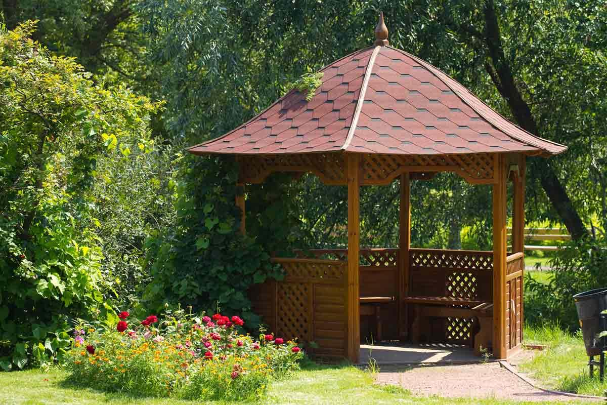What to look for when having a gazebo or free standing porch built