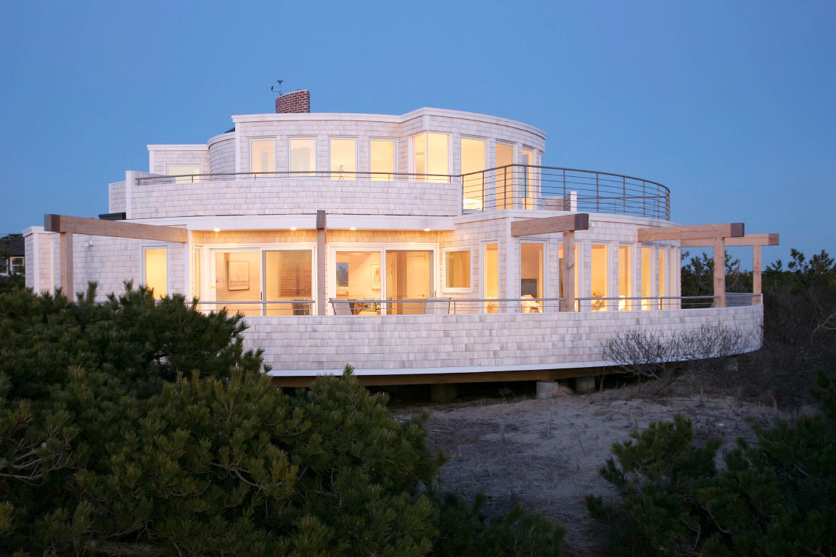 Homes On Cape Cod Part - 40: We Absolutely Love The Unique Form Of This Home By Aline Architecture Which  Has Endless Panoramic Views Of Both Cape Cod Bay And Wellfleet Harbor.