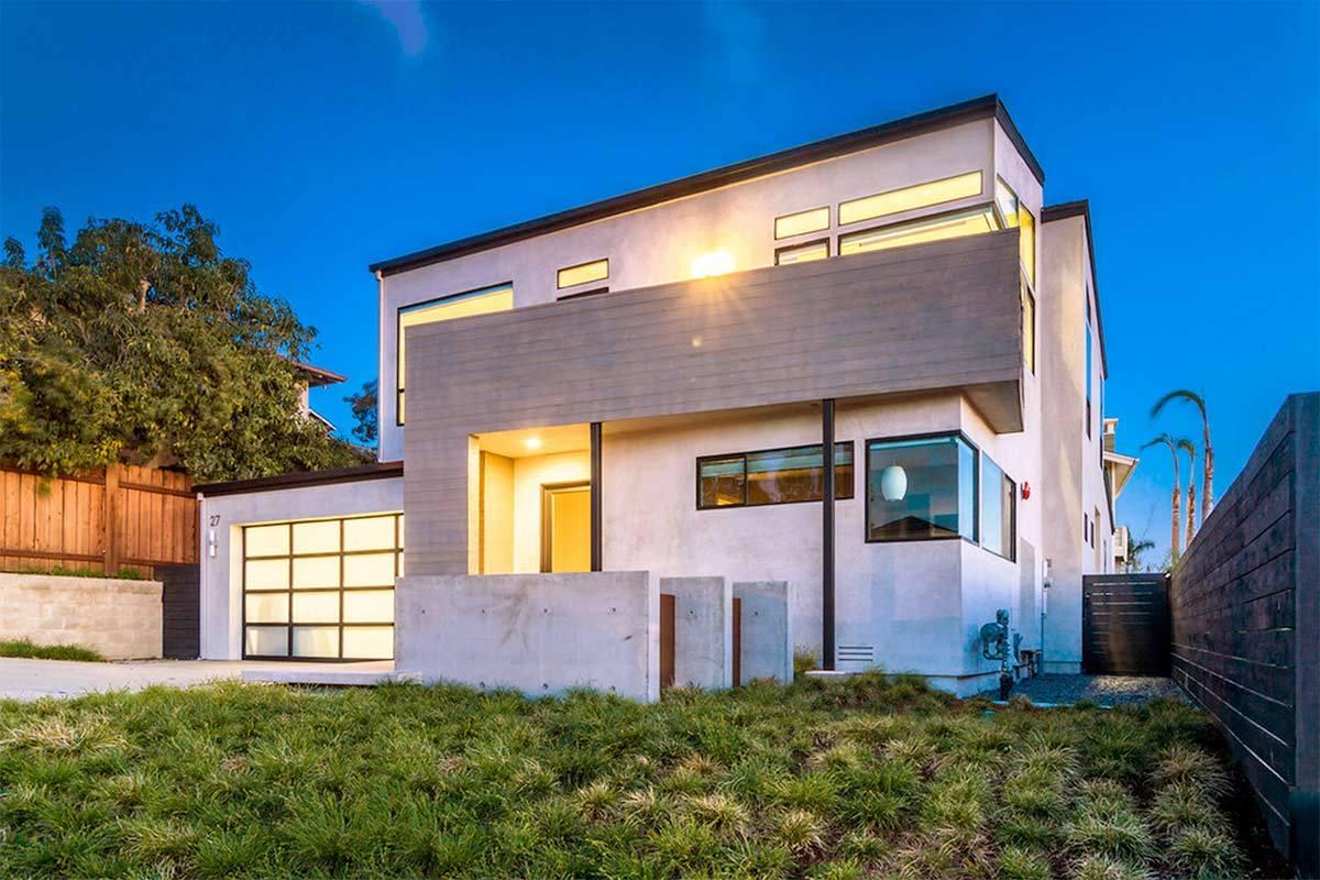 5 beautiful luxury homes in san diego for Modern homes san diego
