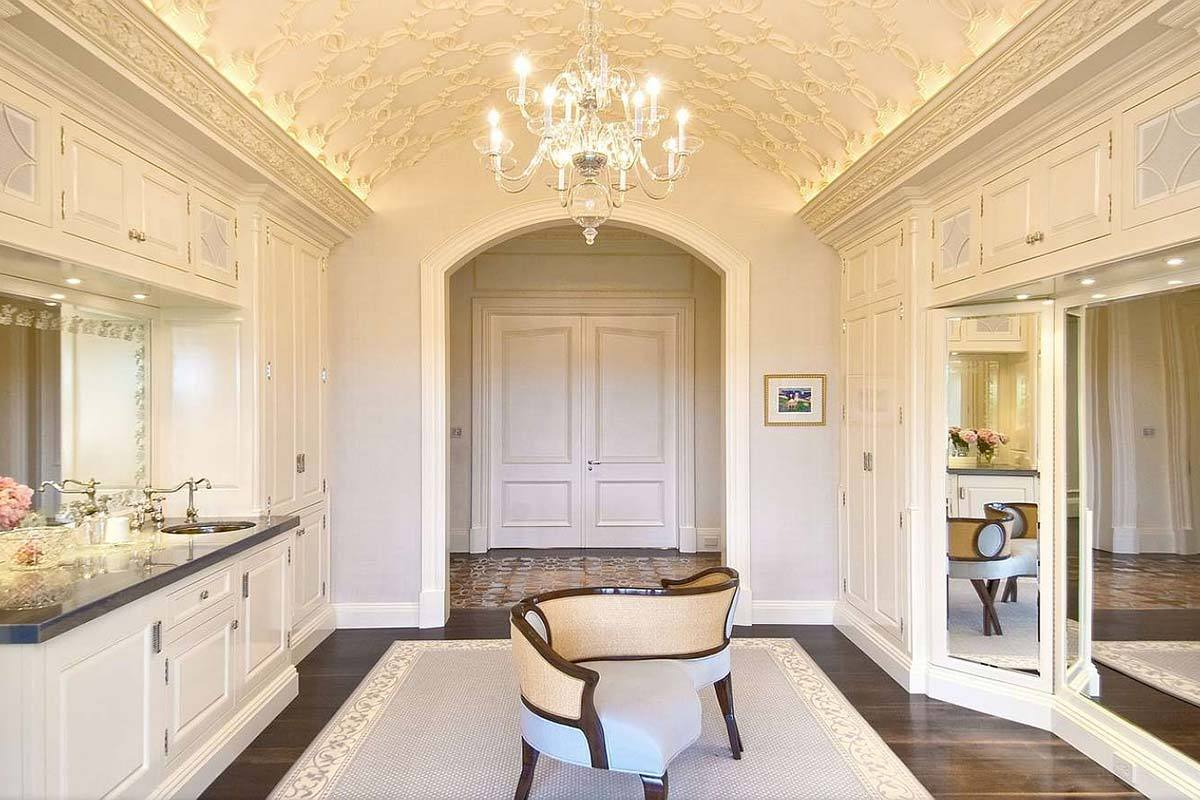 This Closet Just Might Be The Epitome Of Grand For Those That Demand Utmost In Luxury Its Hard To Beat Fact More Like A Sitting Room Than