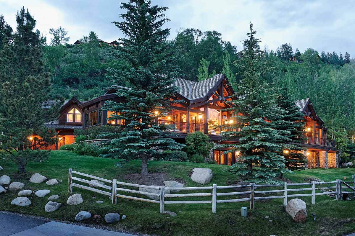 4 cozy cabins and rustic retreats to inspire your winter for Winter park colorado vacation cabins