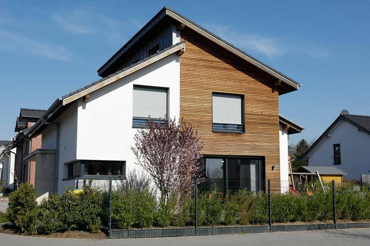 What to Consider with Wood Siding And Fiber Cement Siding Installation