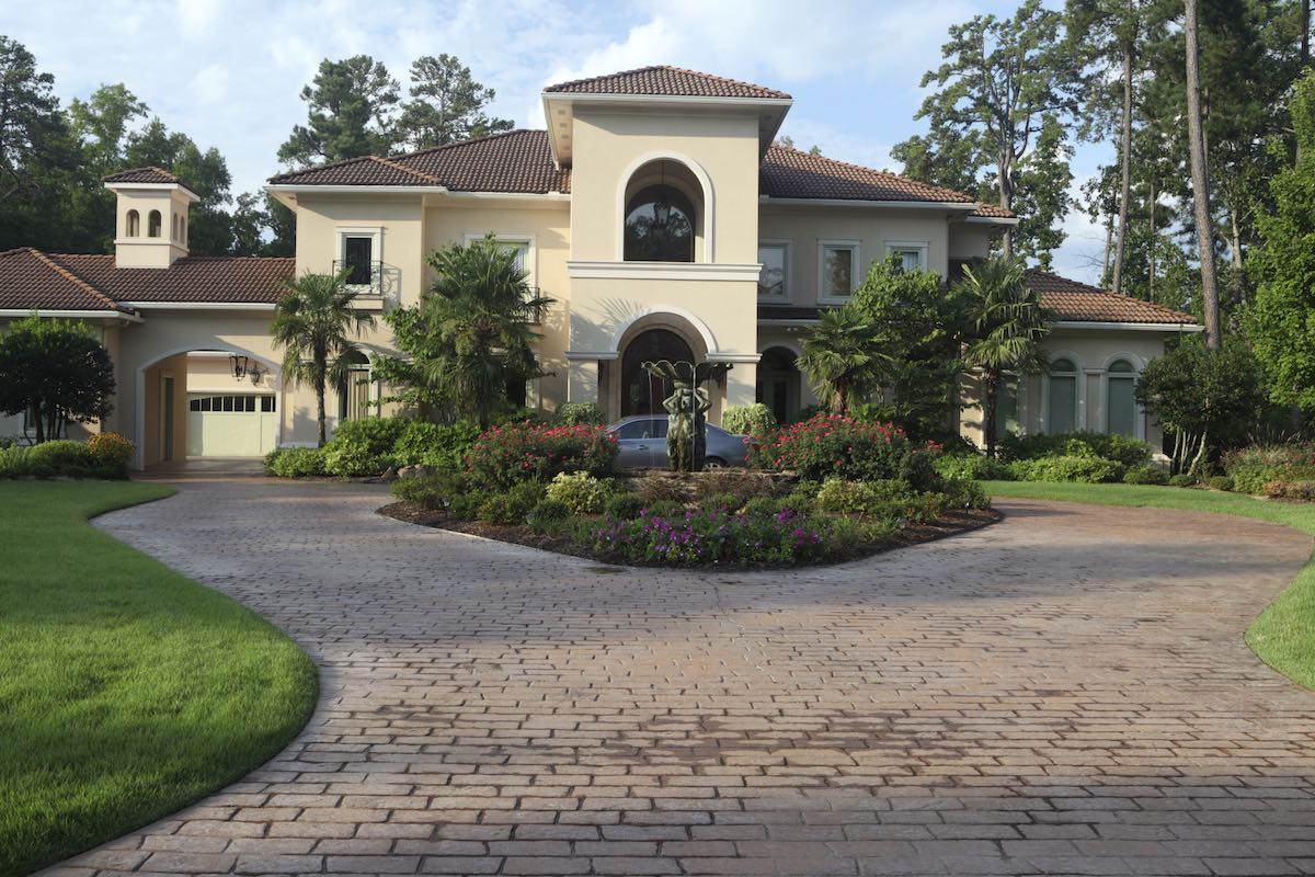 Need a new driveway?  Consider a Contractor