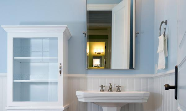 Bathroom Medicine Cabinet: 4 Easy Steps to Install