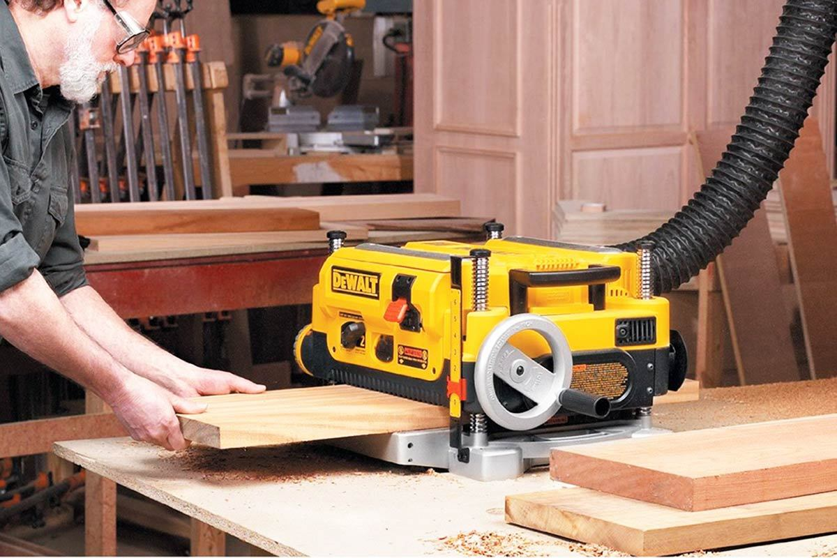 DeWALT DW735 Thickness Planer Review