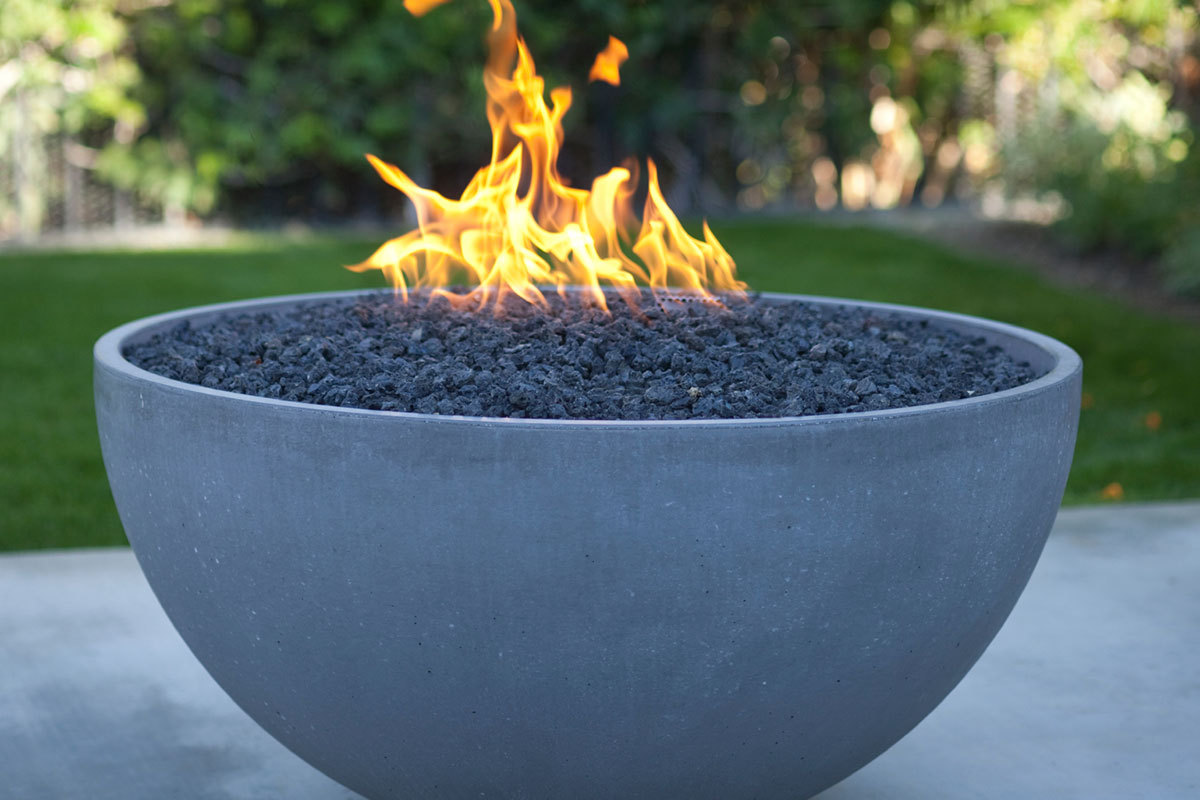 8 outdoor fire pit ideas for your backyard