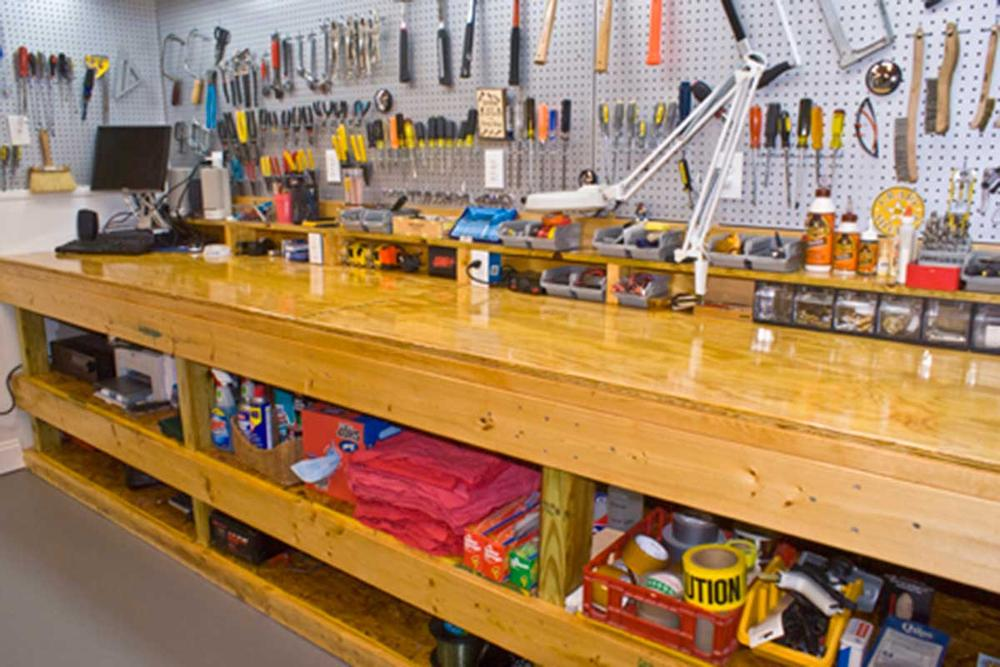 garage workshop bench ideas - Man Cave Inspiration 4 Cool Man Caves