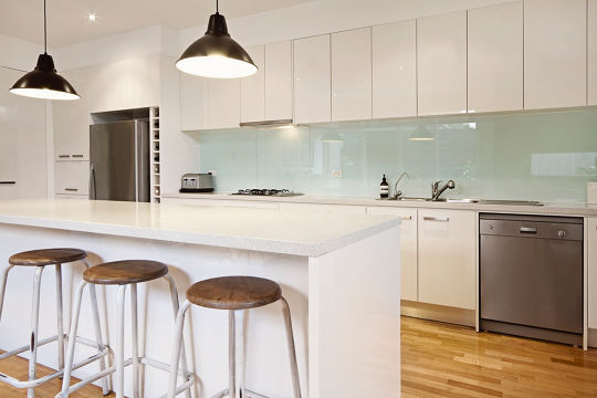 Cheap Kitchen Cabinets: The Dos and Don'ts
