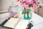 Flowers-desk-office-vintage_(4)