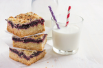 Berry_crumble_bars